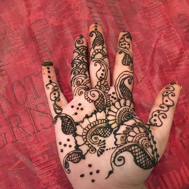 beautiful mehndi art