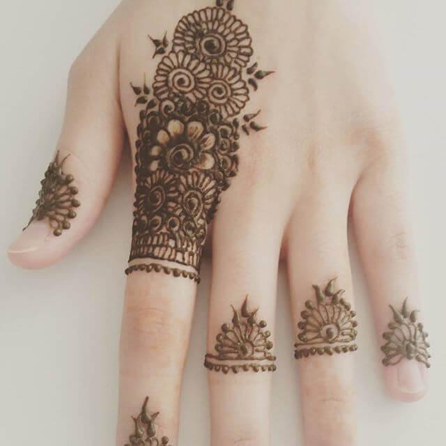 beautiful mehndi art