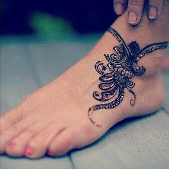 Very Simple Foot Mehandi Designs You can do yourselfVery Simple Foot Mehandi Designs You can do yourself