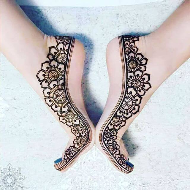 Simple Foot Mehndi Designs That you never seen before