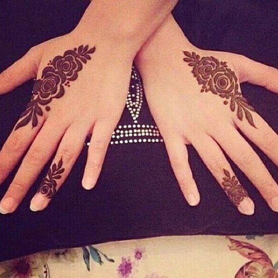 Beautiful & Simple Back Hand Mehndi Design