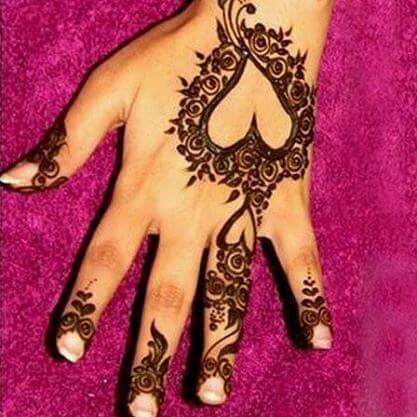 heart shaped mehandi designs
