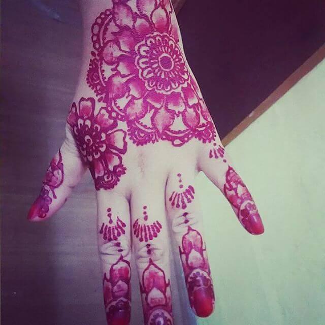 redish backhand henna designs