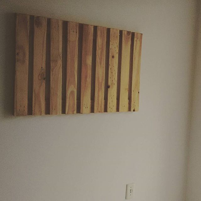 Prepare a pallet project for your dining and living area