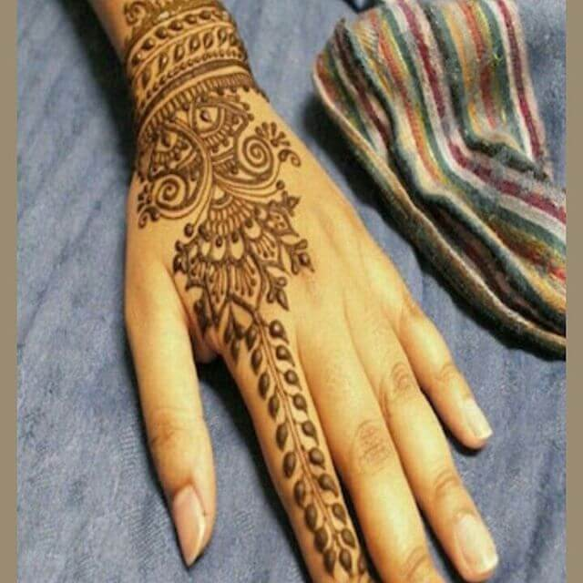 simple and elegant mehandi