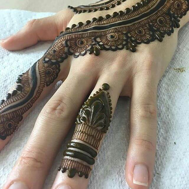 simple mehandi for fingers