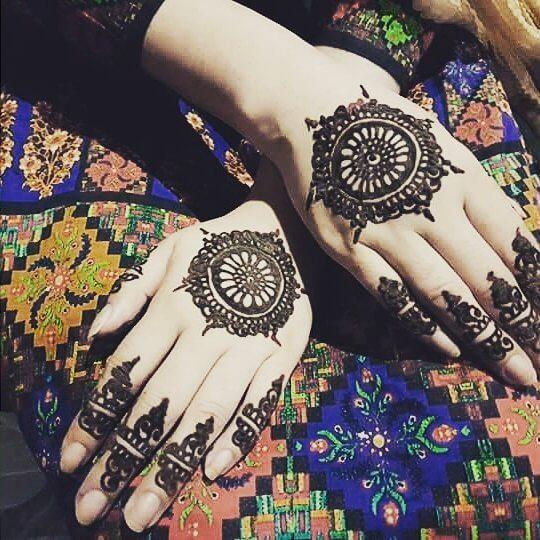 Backhand baby mehndi designs on sensod