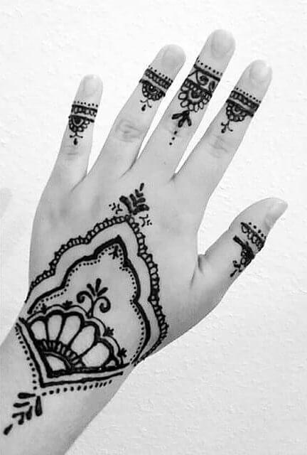 beautiful and easy mehndi art