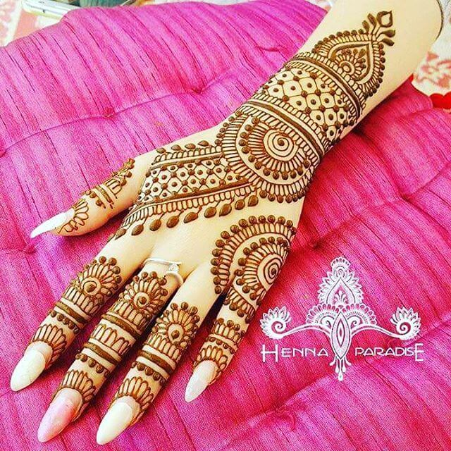 mehandi design on your backhand