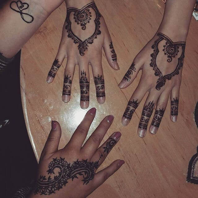 elegant henna art for the beginners