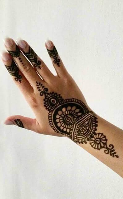 beautiful and simple mehndi
