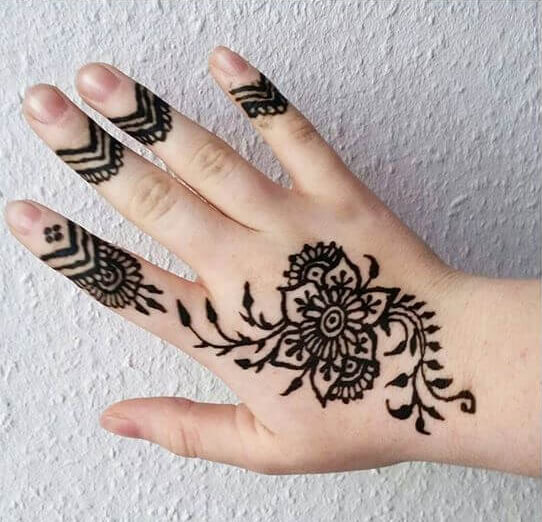 elegant and creative mehndi design