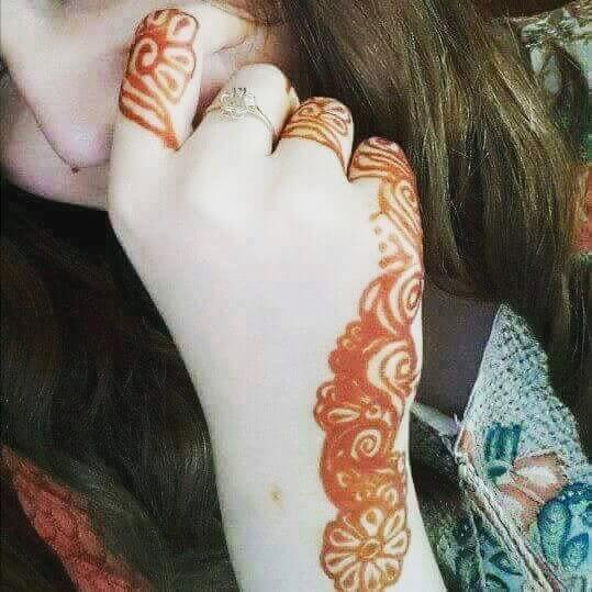 Very simple Henna back hand for kids