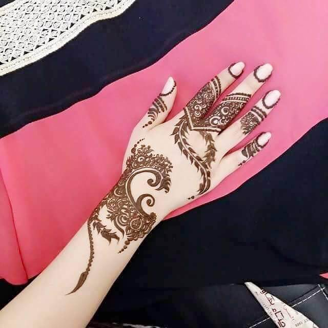Very simple Henna back hand for baby