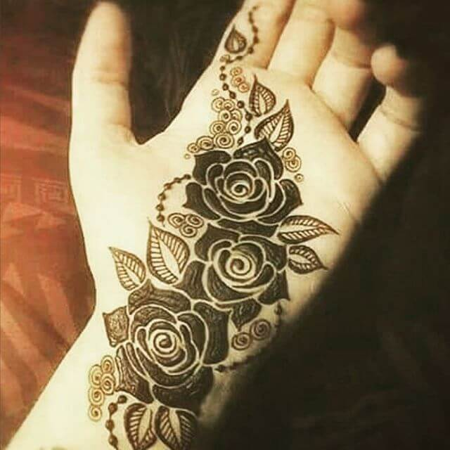 Beautiful Front hand Mehndi Designs for Kids