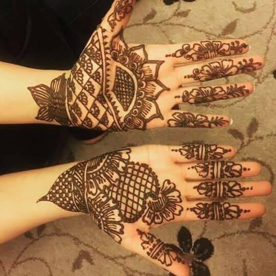 classy and beautiful mehndi design