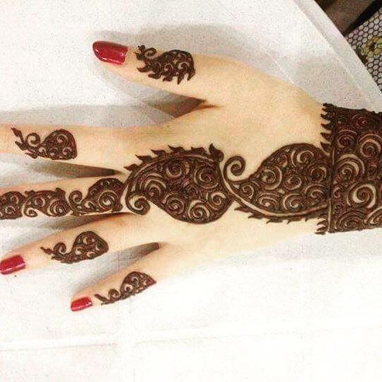 backhand beautiful mehndi design