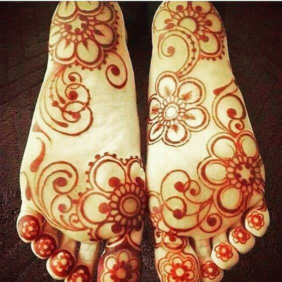backfeet mehndi designs 2018