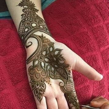beautiful hands with henna