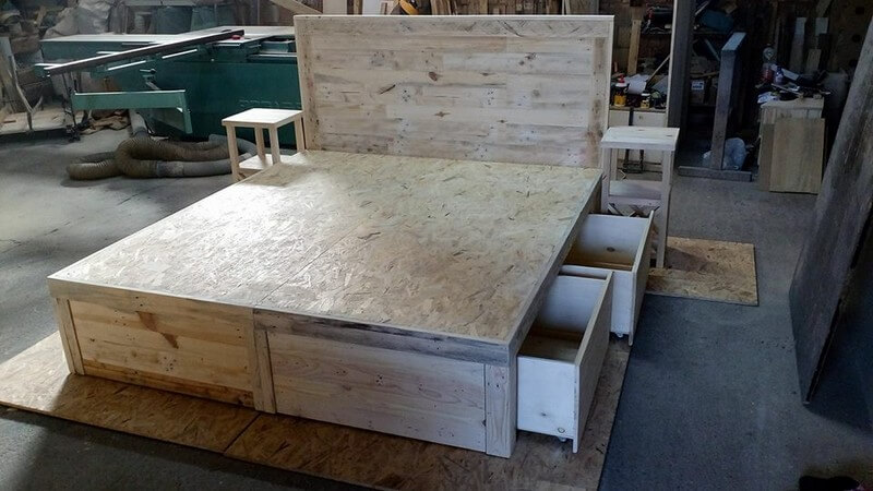 beautiful pallet bed