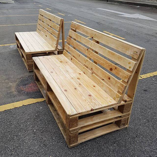 simple looking pallet couch
