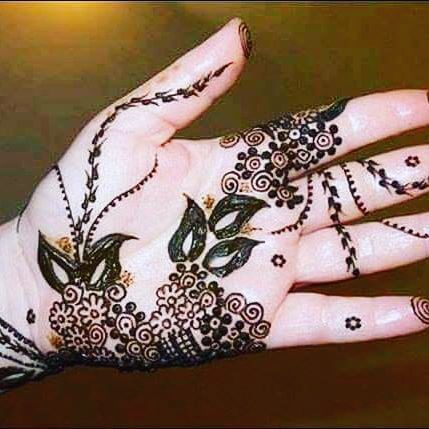 floral mehndi art for casual wearing