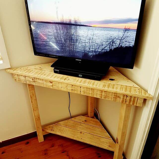 Unique furniture idea with pallet