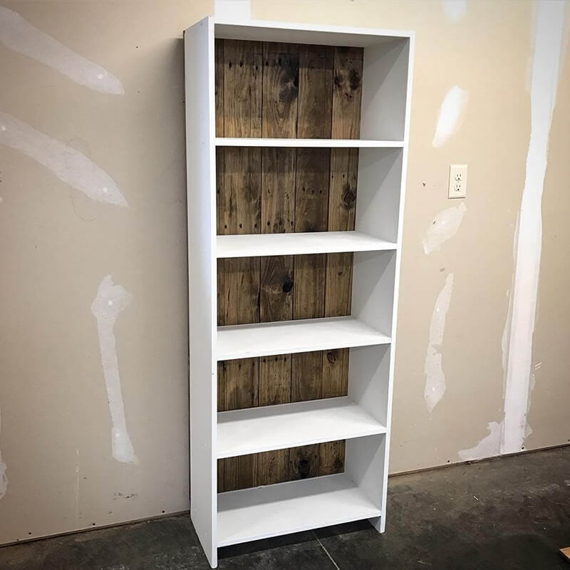 Creative Wood Pallet Bookshelf Plans