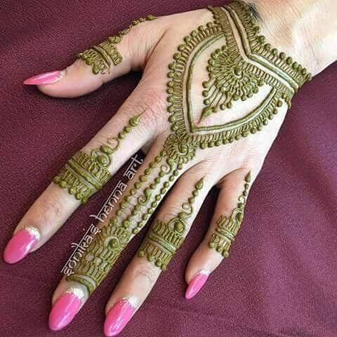 beautiful backhand mehanadi design