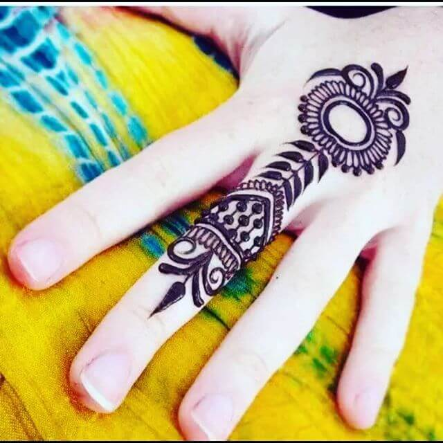 henna tattoo trendy