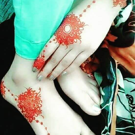 perfect mehndi design for college going girls