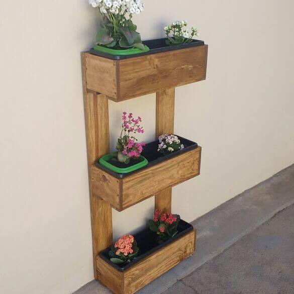 Multifunctional wall shelves
