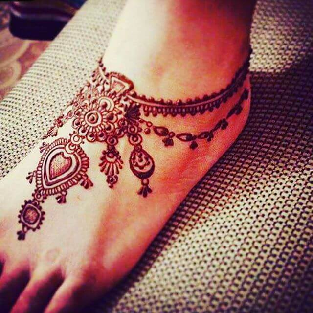Foot Really Simple and loveable Mehndi designs