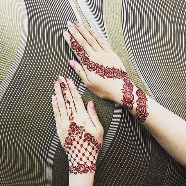 backhand mehndi design on both hands