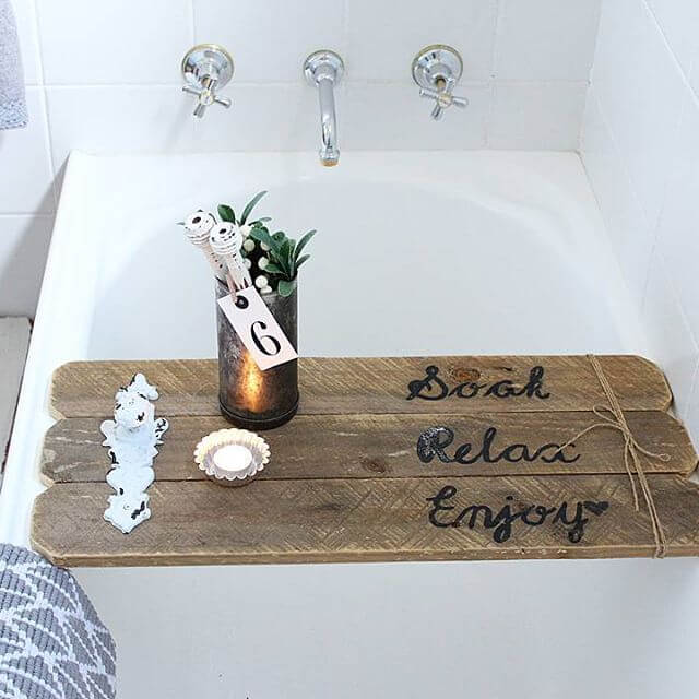 beautiful pallet bathtub tray