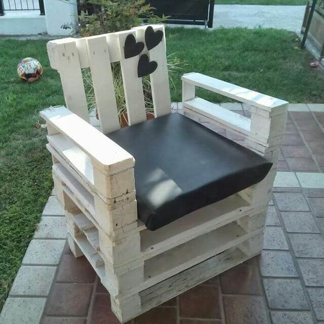pallet small sofa
