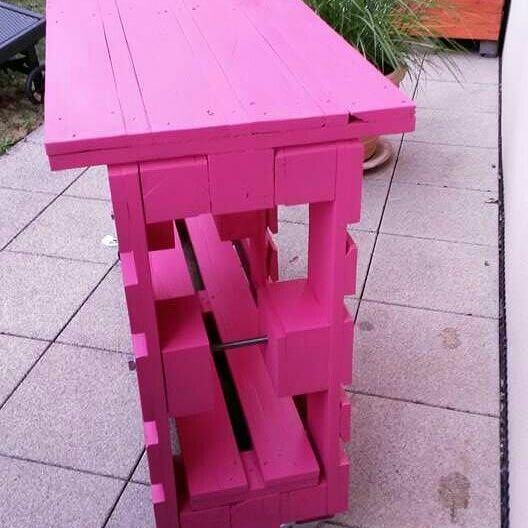 pink pallet table