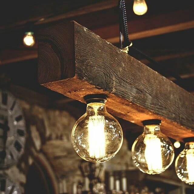 pallet light holder