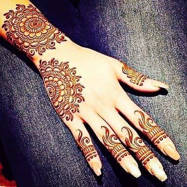 easy finger mehendi design