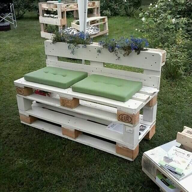 pallet compact sofa