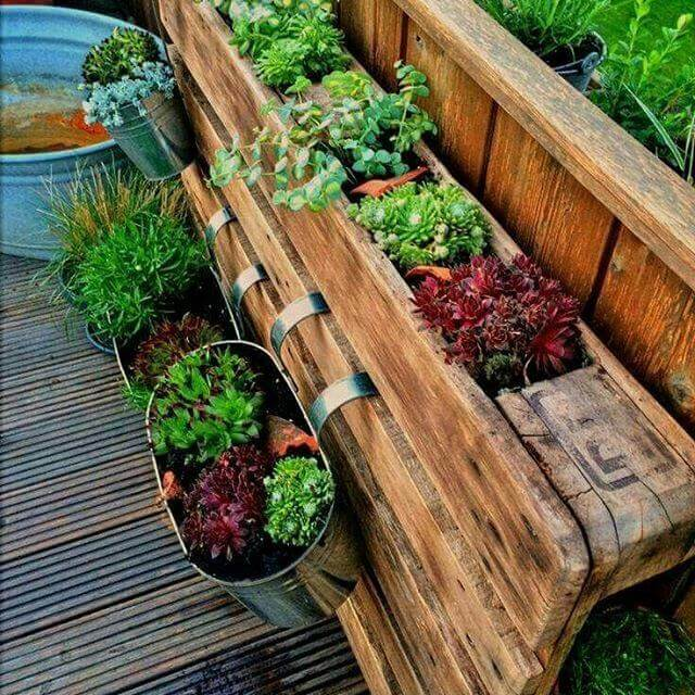 beautiful pallet planter