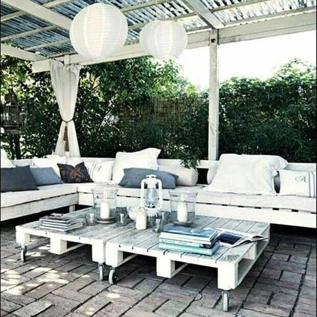 beautiful pallet furniture for the balcony