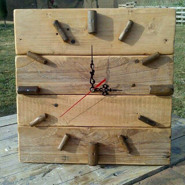 perfect handy pallet clock
