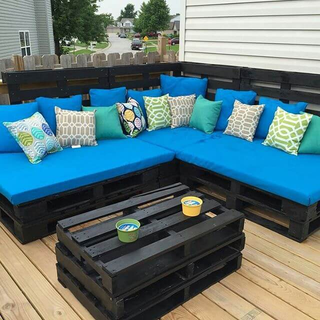 pallet couching for balcony