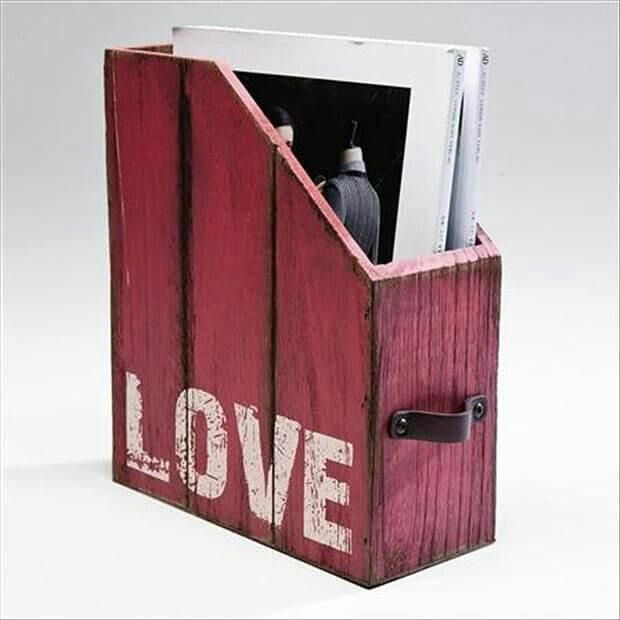 pallet book holder