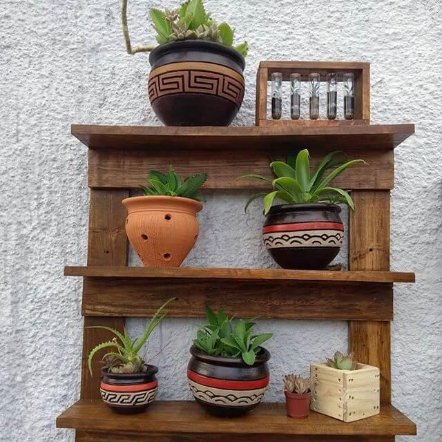 22 Stunning Wooden Pallet Wall Shelf Ideas