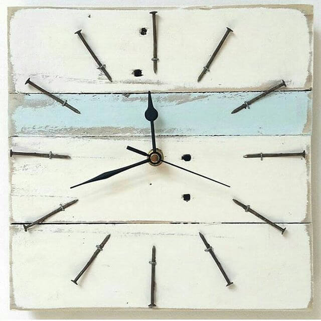 beautiful designed pallet clock