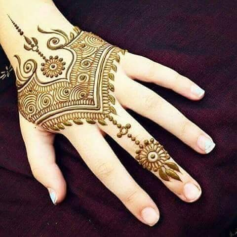 elegant and simple mehandi desihn 2018