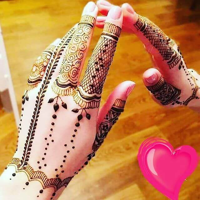 gorgeous heena designs for hands