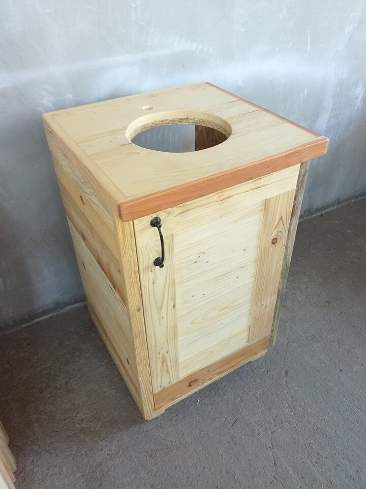 simple pallet box